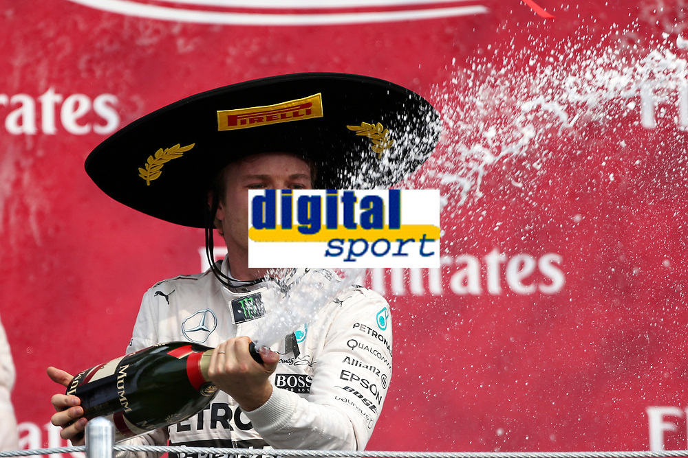 ROSBERG nico (ger) mercedes gp mgp w06 ambiance portrait vainqueur winner podium during the 2015 Formula One World Championship, Mexico Grand Prix from october 29nd to November 1st 2015 in Mexico, Mex. Photo DPPI