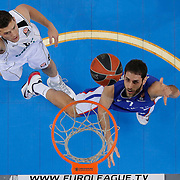 Anadolu Efes's Stratos Perperoglou (R) during their Turkish Airlines Euroleague Basketball Top 16 Round 11 match Anadolu Efes between Nizhny Novgorod at Abdi ipekci arena in Istanbul, Turkey, Thursday March 19, 2015. Photo by Aykut AKICI/TURKPIX