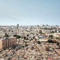 Vista aérea da cidade Luanda, capital de Angola. Bairros Catambor e Prenda