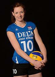 25-06-2013 VOLLEYBAL: NEDERLANDS VROUWEN VOLLEYBALTEAM: ARNHEM<br /> Selectie Oranje vrouwen seizoen 2013-2014 / Lonneke Sloetjes<br /> ©2013-FotoHoogendoorn.nl