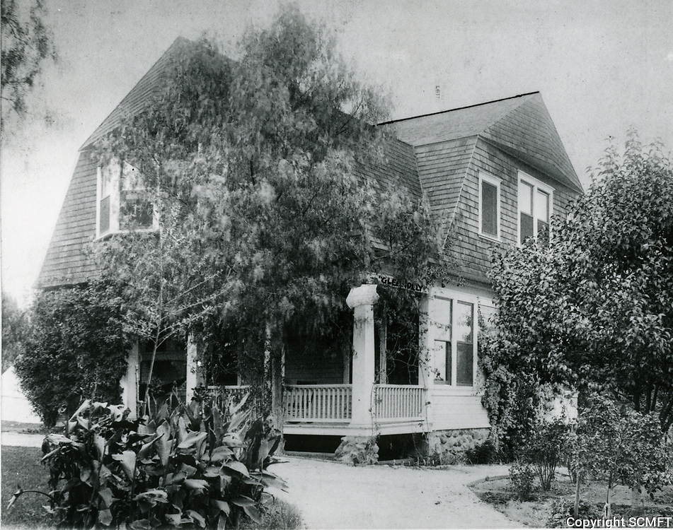 1903 Glen Holly Hotel at Yucca and Ivar streets