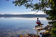 VILDMARKSVÄGEN JULI 2020<br /> Bada eller inte bada var frågan under helgens tur efter Vildmarksvägen.<br /> Foto: Per Danielsson/Projekt.P