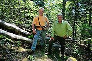 La filière bois dans les Cévennes. Jean-Marie Pialot, débardeur, et Guy Monzo, garde forestier.