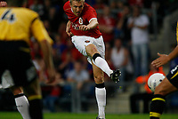 Photo: Marc Atkins.<br />Oxford United v Manchester United XI. Pre Season Friendly. 08/08/2006. Darren Flectcher scores Manchester United third goal.