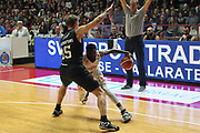 DESCRIZIONE: Varese Lega A 2015/16 <br /> Openjobmetis Varese vs Pasta Reggia Caserta<br /> GIOCATORE: Ramon Galloway<br /> CATEGORIA: palleggio<br /> SQUADRA: Openjobmetis Varese<br /> EVENTO: Campionato Lega A 2015-2016<br /> GARA: Openjobmetis Varese Pasta Reggia Caserta<br /> DATA: 04/10/2015<br /> SPORT: Pallacanestro<br /> AUTORE: Agenzia Ciamillo-Castoria/A. Ossola<br /> Galleria: Lega Basket A 2015-2016<br /> Fotonotizia: Varese Lega A 2015-16 <br /> Openjobmetis Varese Pasta Reggia Caserta