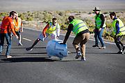 Damjan Zubovnik tijdens de vierde racedag. In Battle Mountain (Nevada) wordt ieder jaar de World Human Powered Speed Challenge gehouden. Tijdens deze wedstrijd wordt geprobeerd zo hard mogelijk te fietsen op pure menskracht. Ze halen snelheden tot 133 km/h. De deelnemers bestaan zowel uit teams van universiteiten als uit hobbyisten. Met de gestroomlijnde fietsen willen ze laten zien wat mogelijk is met menskracht. De speciale ligfietsen kunnen gezien worden als de Formule 1 van het fietsen. De kennis die wordt opgedaan wordt ook gebruikt om duurzaam vervoer verder te ontwikkelen.<br /> <br /> Damjan Zubovnik on the fourth racing day. In Battle Mountain (Nevada) each year the World Human Powered Speed ??Challenge is held. During this race they try to ride on pure manpower as hard as possible. Speeds up to 133 km/h are reached. The participants consist of both teams from universities and from hobbyists. With the sleek bikes they want to show what is possible with human power. The special recumbent bicycles can be seen as the Formula 1 of the bicycle. The knowledge gained is also used to develop sustainable transport.