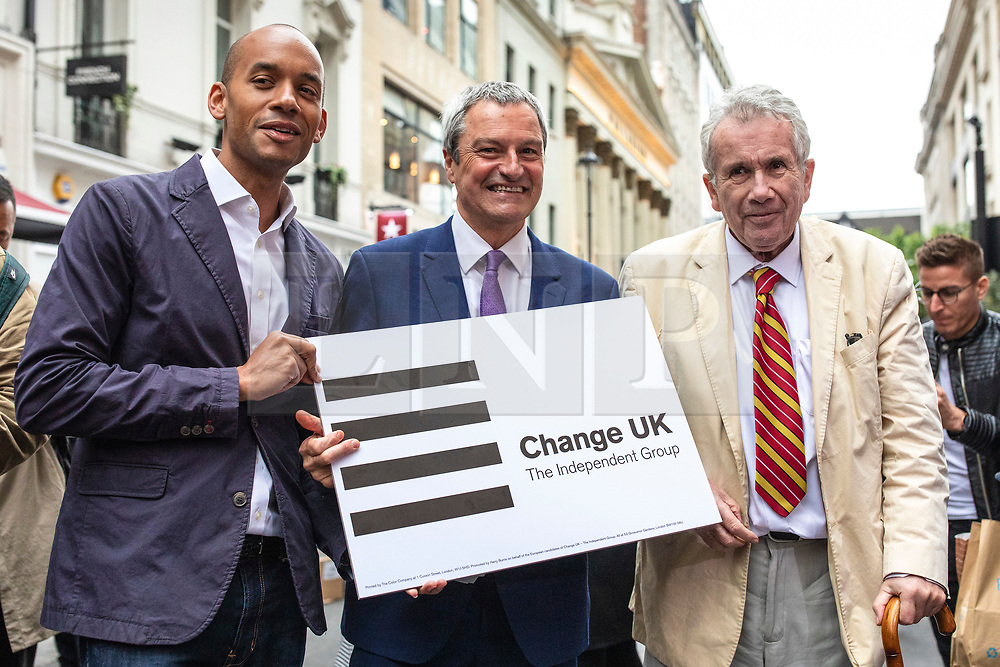 © Licensed to London News Pictures. 17/05/2019. London, UK. Change UK MP Chuka Umunna (L) and MEP candidates Gavin Esler (C) and Martin Bell (R) pose for a photograph during a campaigning event in central London. Photo credit: Rob Pinney/LNP