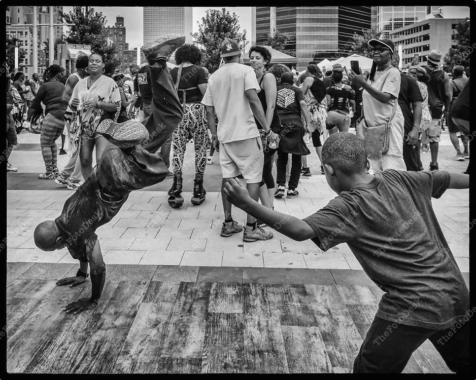 NEWARK, NEW JERSEY: Filp Man Jeter break dances Aduring Bang The Drum House Music a day in the park at Mulberry Commons in in Newark, NJ on Sunday, August 29, 2021. (Brian B Price/TheFotodesk).