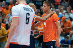 11-08-2019 NED: FIVB Tokyo Volleyball Qualification 2019 / Netherlands - USA, Rotterdam<br /> Final match pool B in hall Ahoy between Netherlands vs. United States (1-3) and Olympic ticket  for USA / Nimir Abdelaziz #14 of Netherlands, Thijs Ter Horst #4 of Netherlands