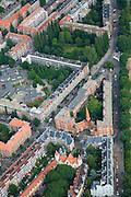 Nederland, Amsterdam, Stadsdeel Westerpark, 17-06-2008; Spaarndammerbuurt, arbeiderswijk uit de jaren twintig van de 20e eeuw (jaren 1920), grotendeels in stijl Amsterdamse School, architect Michel de Klerk; het gebouw met toren aan de Hembrugstraat heeft de bijnaam 'Het Schip'', rechts de Zaanstraat..luchtfoto (toeslag); aerial photo (additional fee required); .foto Siebe Swart / photo Siebe Swart