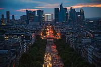 Avenue de La Grande-Armée et La Défense Skyline