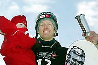 Snøbrett, 28. mars 204, NM halfpipe, Kim Christiansen fikk kongepokalen (kongepokal). Her med datteren Nora