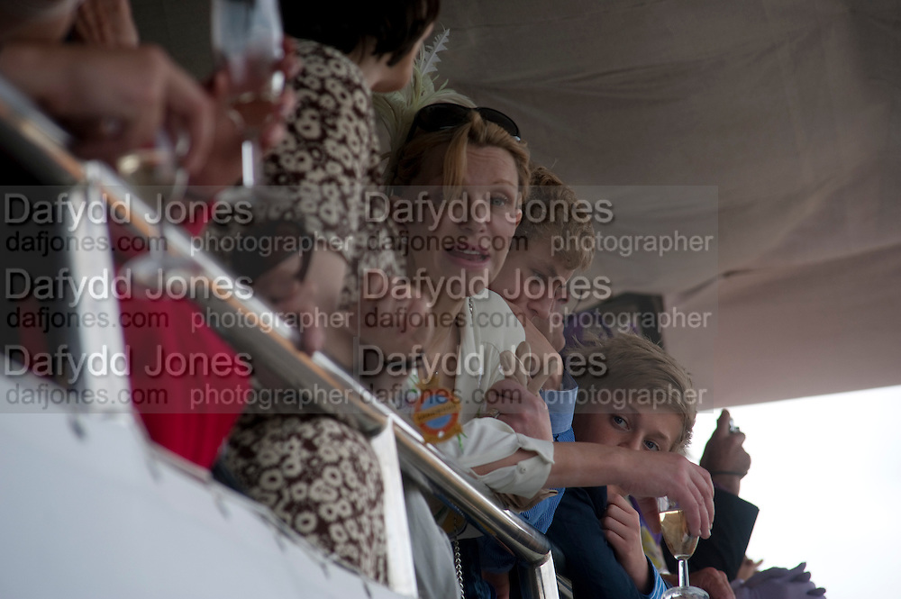 COURTNEY LOVE IN THE DUKE OF RICHMOND BOX, Glorious Goodwood. Ladies Day. 28 July 2011. <br /> <br />  , -DO NOT ARCHIVE-© Copyright Photograph by Dafydd Jones. 248 Clapham Rd. London SW9 0PZ. Tel 0207 820 0771. www.dafjones.com.