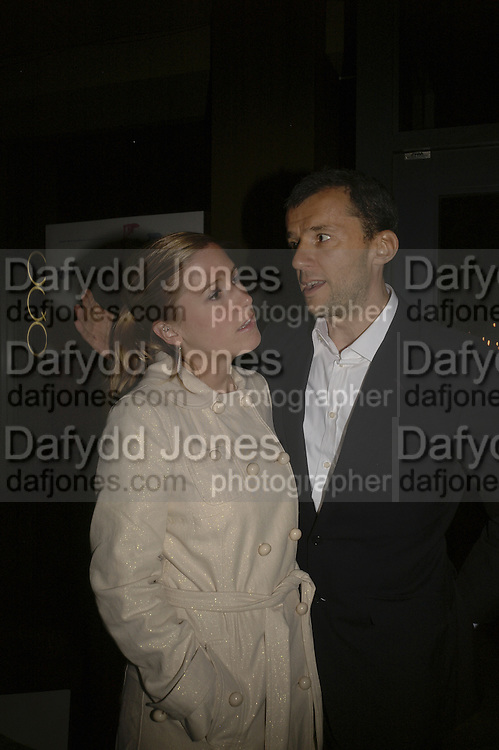 Producer: John Battsek and Kate Rogers, Drinks at OQO, Islington Green  after  screening of ' Once In a Lifetime-Thje extraordinary Story of the New York Cosmos at the Screen On the Green, Islington. London. 15 May 2006. ONE TIME USE ONLY - DO NOT ARCHIVE  © Copyright Photograph by Dafydd Jones 66 Stockwell Park Rd. London SW9 0DA Tel 020 7733 0108 www.dafjones.com