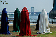 New York . Brooklyn. work by Kasra Peydavoussisculpture exhibition. Fulton ferry park , under the Brooklyn bridge DUMBO area, New York - United States   /   exposition de sculptures, le Fulton ferry park,  sous le pont de Brooklyn Dumbo  New York - Etats Unis