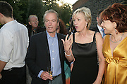 Martin Amis, Tina Brown and Kathy Lette, Launch of Tina Brown's book 'The Diana Chronicles' hosted by Reuters. Serpentine Gallery. 18 June 2007.  -DO NOT ARCHIVE-© Copyright Photograph by Dafydd Jones. 248 Clapham Rd. London SW9 0PZ. Tel 0207 820 0771. www.dafjones.com.