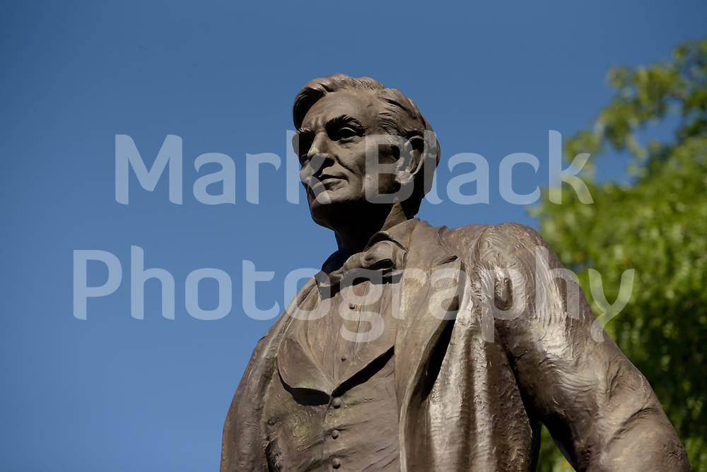 Lincoln Square statue at Lawrence Ave and Western Ave in Chicago on Friday, Sept. 4, 2020. Photo by Mark Black