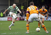 Photo: Paul Thomas.<br /> Motherwell v Glasgow Celtic. Bank of Scotland Scottish Premier League. 30/12/2006.<br /> <br /> Thomas Gravesen of Celtic shoots, but it comes off the post which could have won the them the game 0 - 2.
