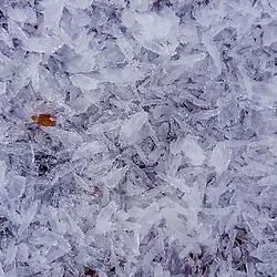 """""""Neve (água congelada) fotografado na Alemanha, na Unição Européia - Europa. Registro feito em 2016.<br /> ⠀<br /> <br /> ENGLISH: Snow photographed in Germany, in European Union - Europe. Picture made in 2016."""""""