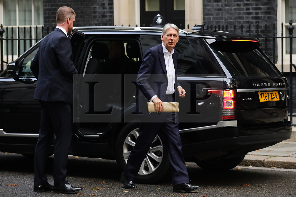 © Licensed to London News Pictures. 16/10/2018. London, UK. The Chancellor of The Exchequer Philip Hammond arrives on Downing Street for the Cabinet meeting. Prime Minister Theresa May faces a possible rebellion from members of the Cabinet over her plans for Brexit. Photo credit: Rob Pinney/LNP