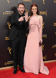 Chris Hardwick, Lydia Hearst bei den Creative Arts Emmy Awards in Los Angeles / 100916<br /> <br /> <br /> *** at the Creative Arts Emmy Awards in Los Angeles on September 10, 2016 ***