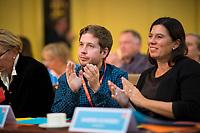 DEU, Deutschland, Germany, Berlin, 17.11.2018:  Der Juso-Bundesvorsitzende Kevin Kühnert und Bildungssenatorin Sandra Scheeres (SPD) beim Landesparteitag der Berliner SPD im Hotel Maritim.