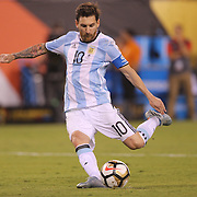 EAST RUTHERFORD, NEW JERSEY - JUNE 26:  Lionel Messi #10 of Argentina missing his penalty kick in the penalty shoot out during the Argentina Vs Chile Final match of the Copa America Centenario USA 2016 Tournament at MetLife Stadium on June 26, 2016 in East Rutherford, New Jersey. (Photo by Tim Clayton/Corbis via Getty Images)