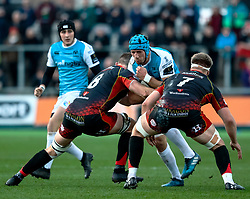 Justin Tipuric of Ospreys under pressure from Aaron Wainwright of Dragons<br /> <br /> Photographer Simon King/Replay Images<br /> <br /> Guinness PRO14 Round 12 - Dragons v Ospreys - Sunday 30th December 2018 - Rodney Parade - Newport<br /> <br /> World Copyright © Replay Images . All rights reserved. info@replayimages.co.uk - http://replayimages.co.uk