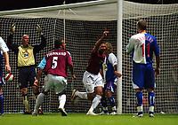 Photo: Olly Greenwood.<br />West Ham United v Blackburn Rovers. The Barclays Premiership. 29/10/2006. West Ham's Hayden Mullins celebrates scoring