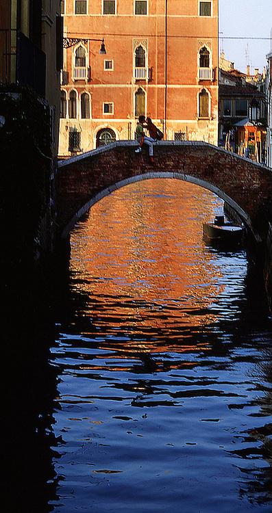 Venice Kiss, Italy