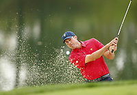 Golf<br /> Foto: imago/Digitalsport<br /> NORWAY ONLY<br /> <br /> 2 October 2013: Matt Kuchar blasts out of a bunker on the 12th hole during a practice round for The Presidents Cup golf tournament at Muirfield Village GC in Dublin, OH on October 2, 2013.