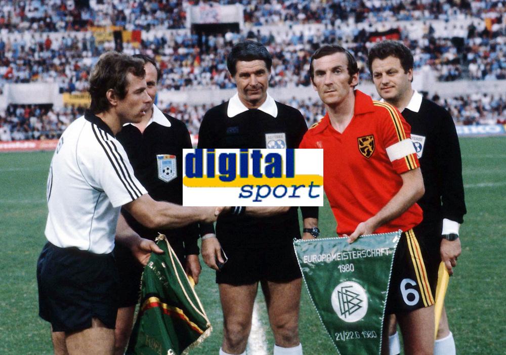 Fotball<br /> EM 1980<br /> Foto: Witters/Digitalsport<br /> NORWAY ONLY<br /> <br /> Bernhard DIETZ -  Julien COOLS <br /> EM-Finale 1980  <br /> Tyskland v Belgia 2:1