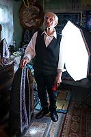 Kleszczele, woj podlaskie, 03.08.2019. Ametystowa Komnata - prywatne muzeum ametystow zalozone i prowadzone od 50 lat przez Mikolaja Podlaszczyka, emerytowanego nawigatora i pilota wojskowego. Jest to jedna z najwiekszych kolekcji ametystow w Polsce N/z Miroslaw Podlaszczyk fot Michal Kosc / AGENCJA WSCHOD