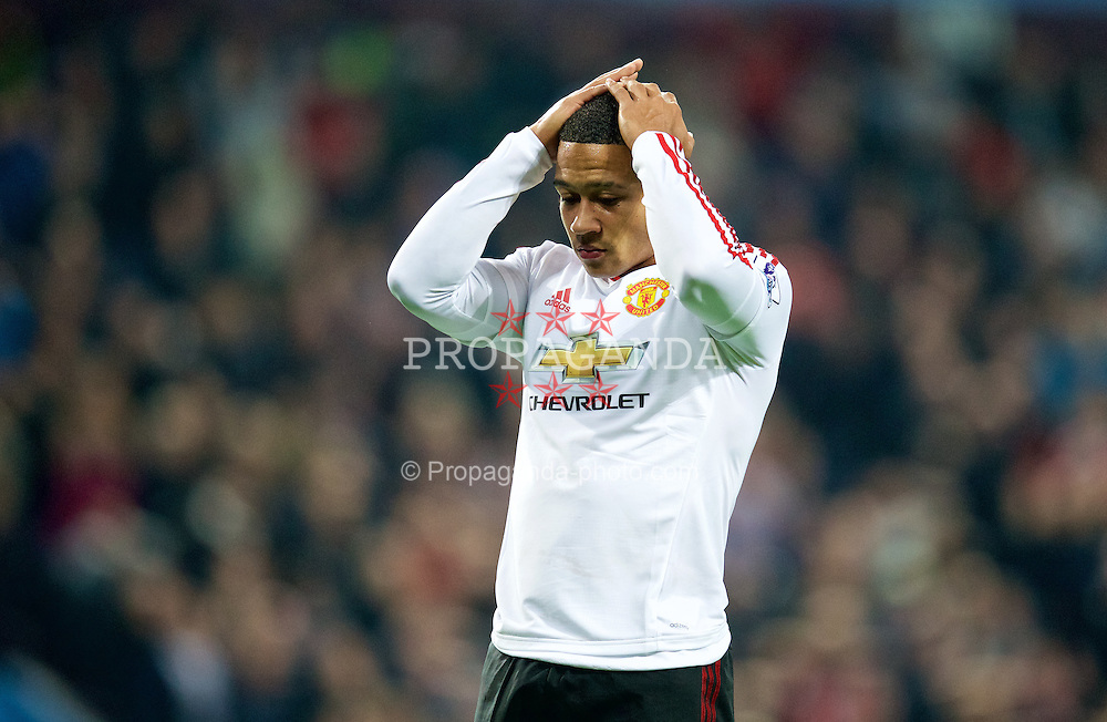 BIRMINGHAM, ENGLAND - Friday, August 14, 2015: Manchester United's Memphis Depay looks dejected after missing a chance against Aston Villa during the Premier League match at Villa Park. (Pic by David Rawcliffe/Propaganda)