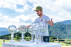 27.07.2017, Annaberg, AUT, Sommer Gespräch SalzburgerLand mit Marcel Hirscher, im Bild Marcel Hirscher (AUT) mit seinen sechs Kristallkugeln für den Weltcup Gesamtsieg // Marcel Hirscher of Austria with his six crystal globes for the Overall Worldcup Victory during a media event of SalzburgerLand. Annaberg, Austria on 2017/07/27. EXPA Pictures © 2017, PhotoCredit: EXPA/ JFK