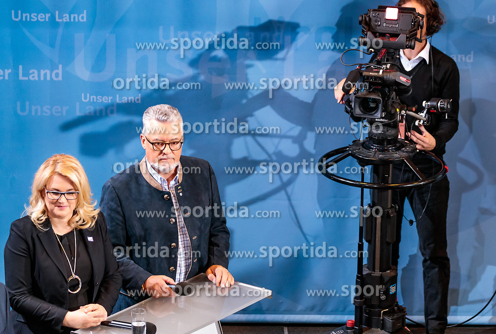 25.02.2018, Innsbruck, AUT, Landtagswahl in Tirol 2018, im Bild v.l.: Spitzenkandidat Andrea Krumschnabel (FAMILY), Spitzenkandidat Josef Schett (impuls-tirol) während der TV Runde // during TV Statements for the State election in Tyrol 2018. Innsbruck, Austria on 2018/02/25. EXPA Pictures © 2018, PhotoCredit: EXPA/ JFK