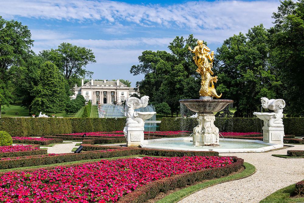 Achievement statue, Nemours Mansion and Gardens, Wilmington, Delaware, USA