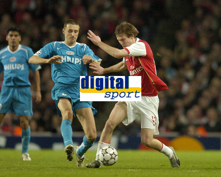 Photo: Olly Greenwood.<br />Arsenal v PSV Eindhoven. UEFA Champions League. Last 16, 2nd Leg. 07/03/2007. Arsenal's Alexander Hleb and PSV's Timmy Simons