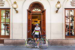 25.04.2018, Innsbruck, AUT, Laura Stigger im Portrait, im Bild die Österreichische Radfahrerin Laura Stigger während eines Fototermins // the Austrian Cyclist Laura Stigger during a Photoshooting in Innsbruck, Austria on 2018/04/25. EXPA Pictures © 2018, PhotoCredit: EXPA/ JFK