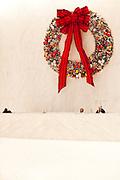 New York, New York. Etats Unis. 18 Decembre 2010.Le lobby du General Motors Building a l'anlge de la 5eme avenue et de la 60th street..New York, New York. United States. December 18th 2010.The lobby of General Motors Building at the corner of 5th Avenue and 60th Street.