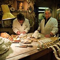 Venice  Miotto and Sons  Wood artists..HOW TO BUY THIS PICTURE: please contact us via e-mail at sales@xianpix.com or call our offices in Milan at (+39) 02 400 47313 or London   +44 (0)207 1939846 for prices and terms of copyright..