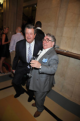 RONNIE CORBETT and LORD CHARLES SPENCER-CHURCHILL at the opeing of Green's Restaurant & Oyster Bar, 14 Cornhill, London EC3 on 1st September 2009.