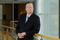 20 JAN 2006, BERLIN/GERMANY:<br /> Dr. Rainer Wend, MdB, SPD, Vorsitzender des Ausschusses fuer Wirtschaft und Arbeit des Deutschen Bundestages, an Jakob-Kaiser-Haus, Deutscher Bundestag <br /> IMAGE: 20060120-01-012