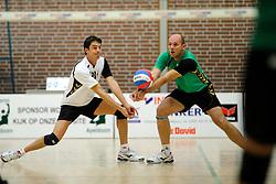 27-10-2012 VOLLEYBAL: VV ALTERNO - E DIFFERENCE SSS: APELDOORN<br /> Eerste divisie A mannen - Alterno wint met 4-0 van SSS / Jesse van Oostrum, Roy Vleeming<br /> ©2012-FotoHoogendoorn.nl