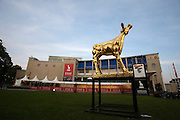 De Gouden Kalf, het symbool van het Nederlands Film Festival, voor de Stadsschouwburg in Utrecht.<br /> <br /> The Gouden Kalf (Golden Calf) is the symbol of the Nederlands Film Festival.