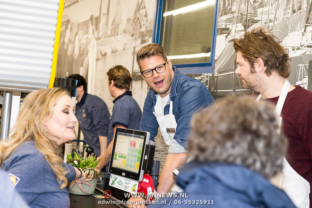 NLD/Hiuizen/20190108 - '1 Minuut gratis winkelen met Radio 538', Coen Swijnenberg en Sander lantinga en Hannelore Switzerlood