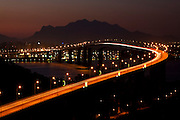 Vila Velha_ES, Brasil...A Terceira Ponte tem nome oficial de Ponte Deputado Darcy Castello de Mendonca e liga a cidade de Vitoria a Vila Velha, ambas no estado do Espirito Santo...Terceira Ponte ( Deputado Darcy Castello de Mendonca bridge ) and  connects the city Vitoria and Vila Velha in Espirito Santo...Foto: LEO DRUMOND /  NITRO