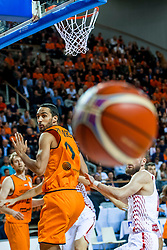 24-11-2017 NED: WC qualification Netherlands - Croatia, Almere<br /> First Round - Group D at the arena Topsportcentrum / Leon Williams #5 of Netherlands, Dominik Mavra #4 of Croatia