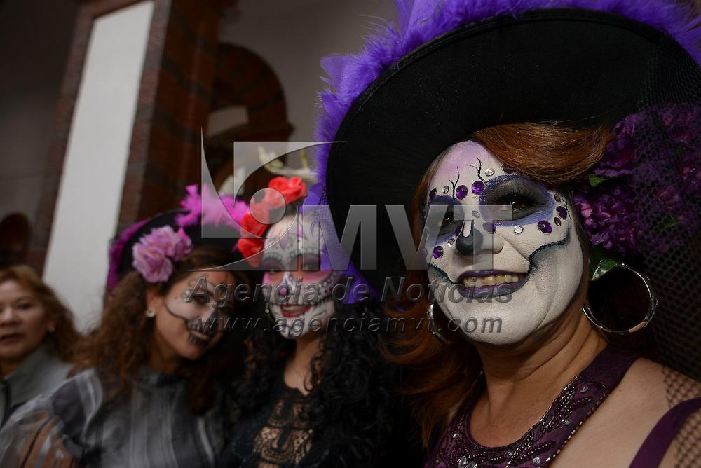 Toluca, México (Octubre 15, 2016).- Catrinas durante la inauguración de las actividades de la Feria y Festival Cultural del Alfeñique en la capital mexiquense.  Agencia MVT / Crisanta Espinosa.