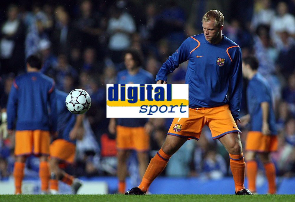 Photo: Paul Thomas.<br /> Chelsea v Barcelona. UEFA Champions League, Group A. 18/10/2006.<br /> <br /> Eidur Gudjohnson (Ex Chelsea player) of Barcelona warms up before the match.
